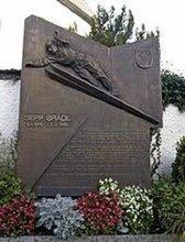 Gedenkstätte in Mühlbach am Hkg Buwi Bradl